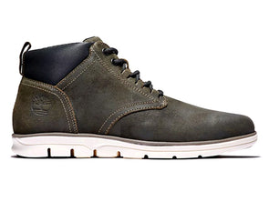 Timberland Bradstreet Chukka in Green outer view