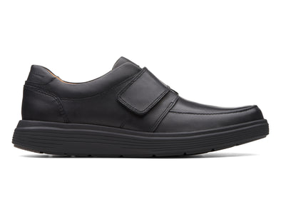 Clarks Un Adobe Strap in Black outer view