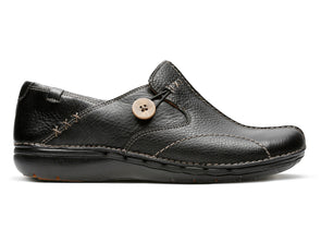 Clarks Un Loop in Black Leather outer view