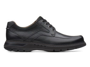 Clarks Un Ramble Lace in Black Leather outer view