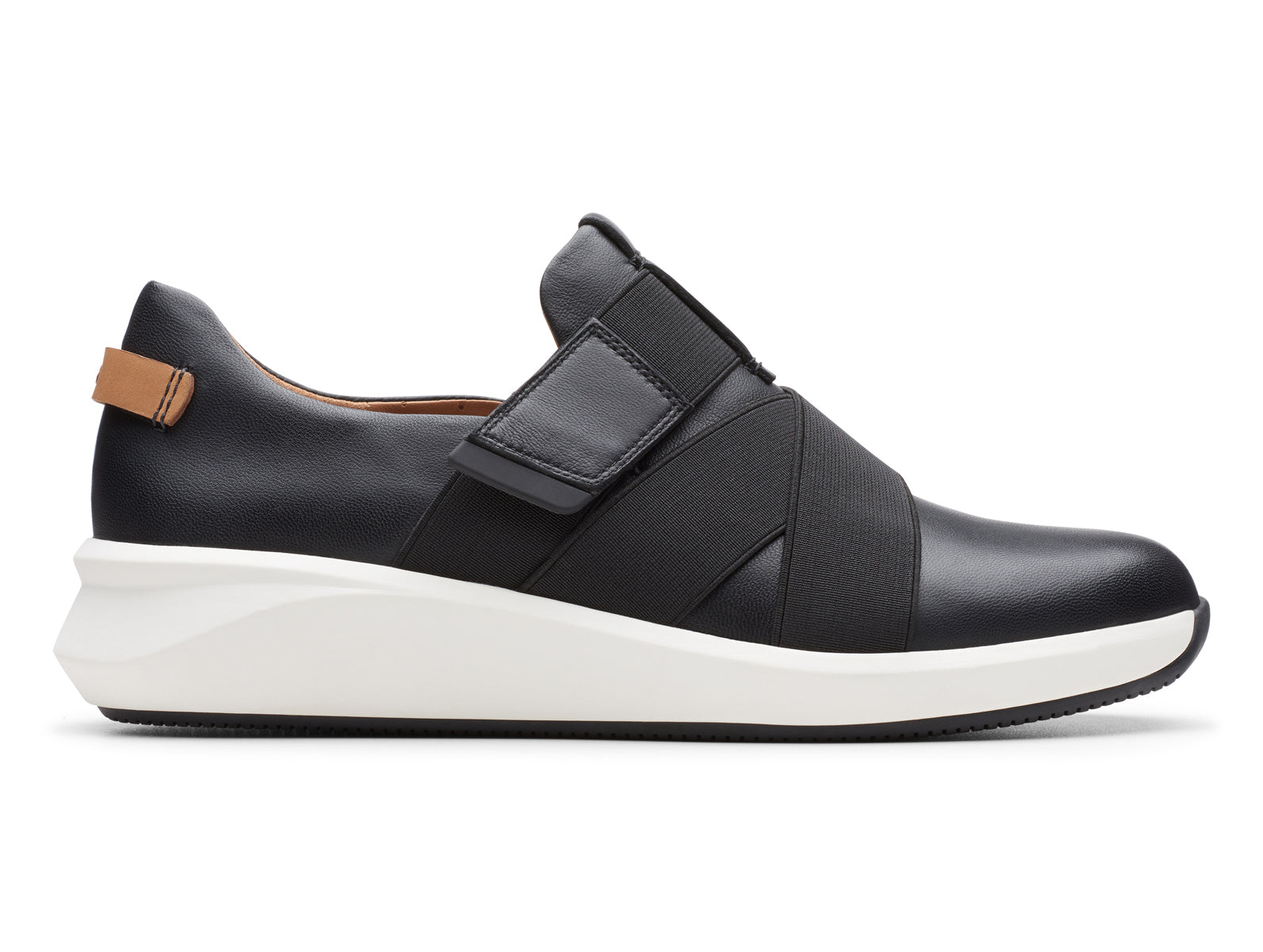 Clarks Un Rio Strap | Black | Ladies Shoes at Walsh Brothers