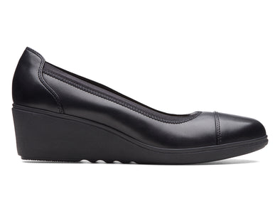 Clarks Tallara Liz in Black outer view