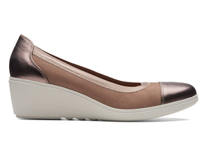 Clarks Tallara Liz in Pebble outer view