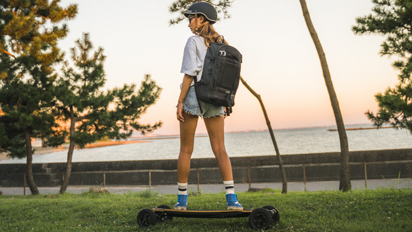 7 Reasons To Ditch Your Car & Use an Electric Skateboard To Commute
