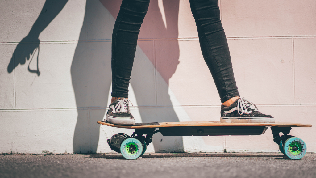 How to Ride an Electric Skateboard stance