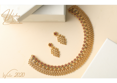 https://www.tarinika.in/products/geeti-antique-necklace-set?_pos=1&_sid=5cc4ee1e9&_ss=r