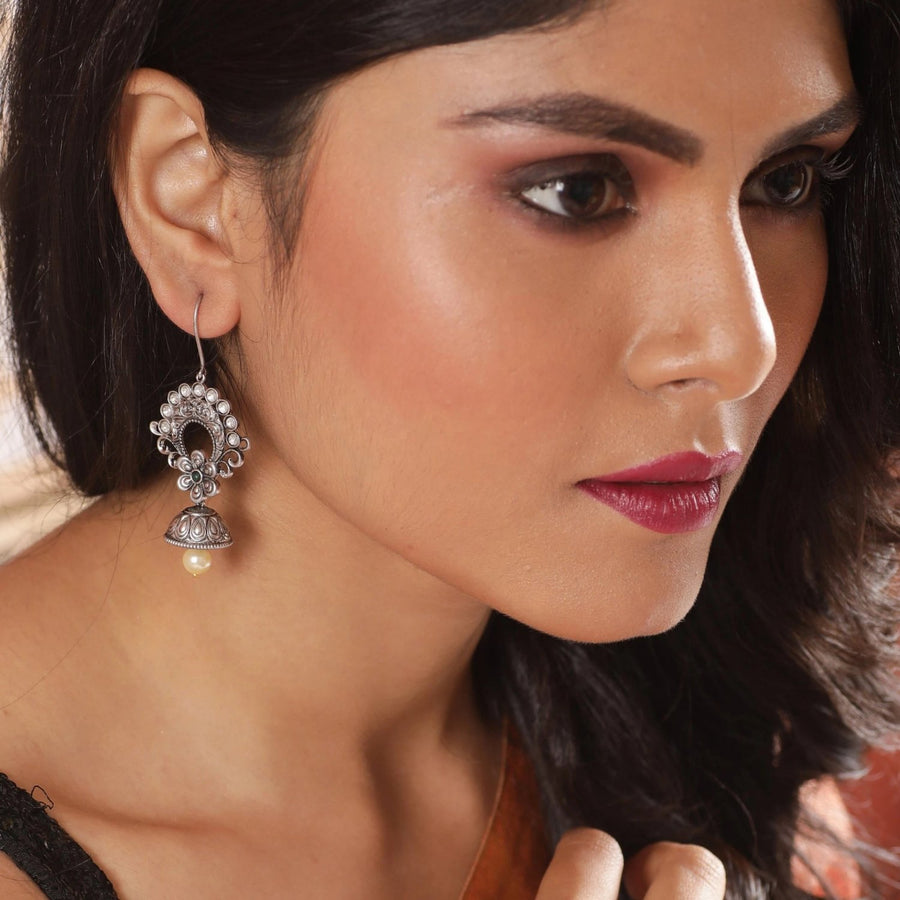 Veenu Kundan Earrings by Tarinika