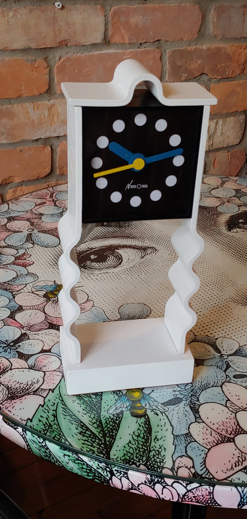 Table top Neos of Lorenz Design Du Pasquier Sowden clock