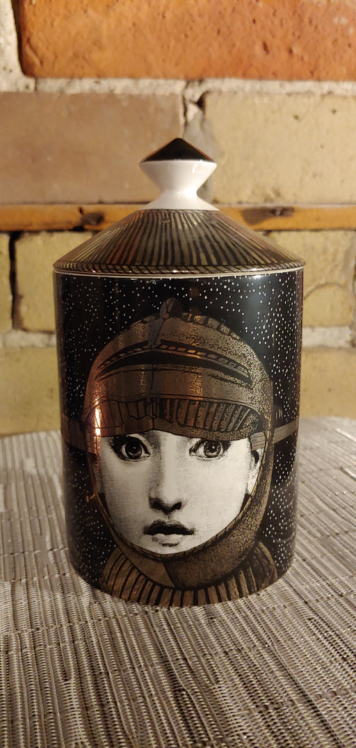 Fornasetti candle Armature 300g