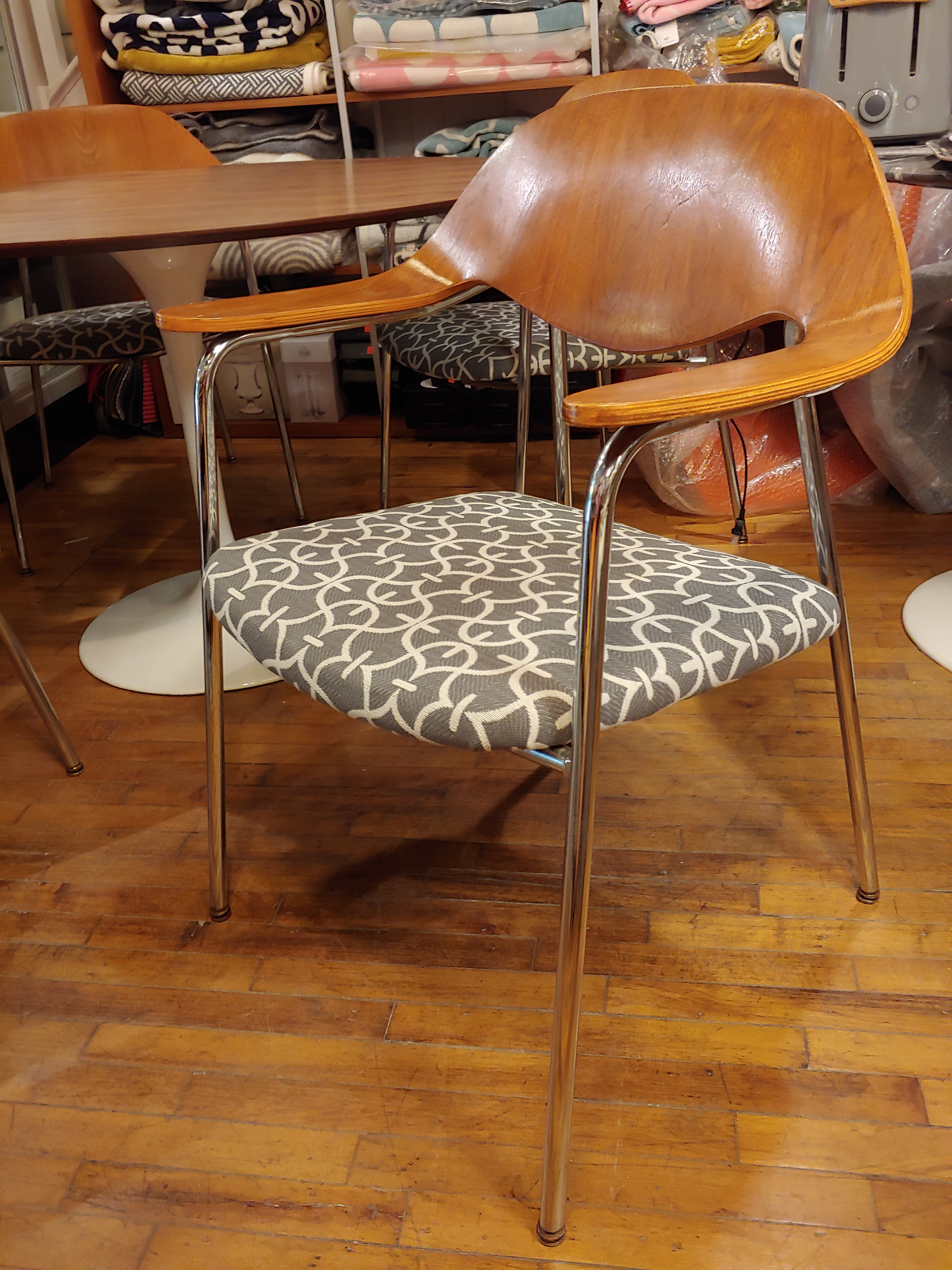 Vintage set of mid century chairs bentwood