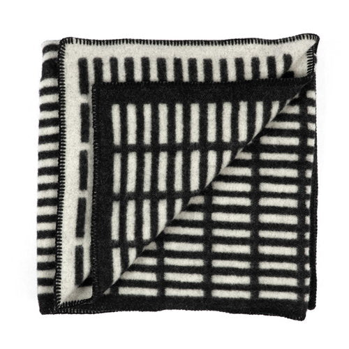 Artek Siena blanket black and white