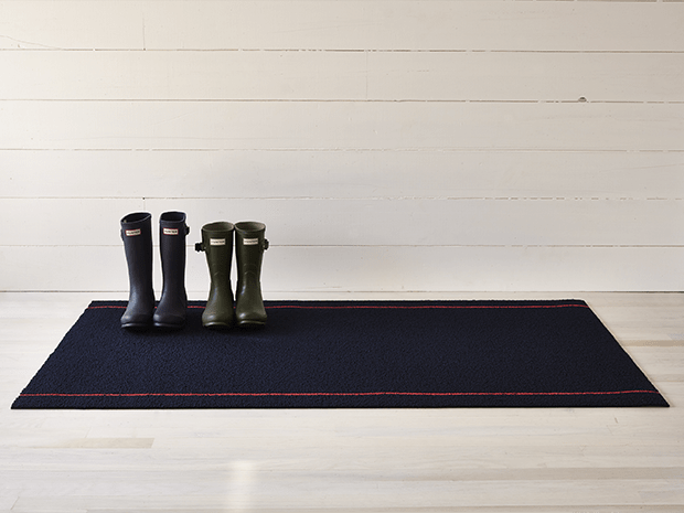 Chilewich Simple Stripe Shag Mat in Navy/Coral