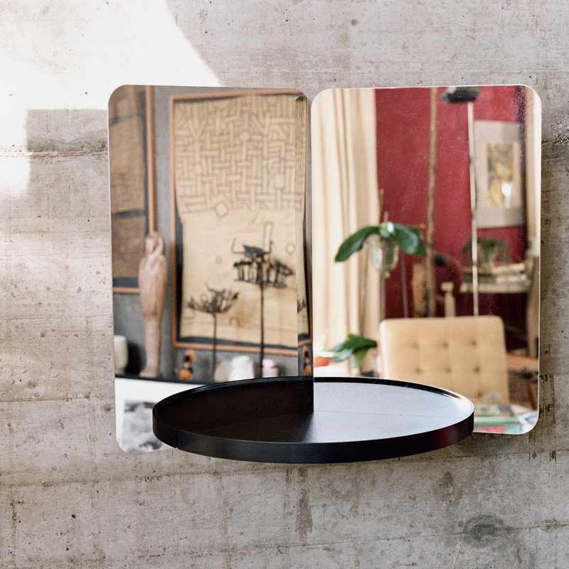 124 degrees mirror, medium, black shelf