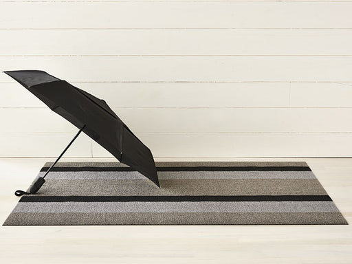 Chilewich Bold Stripe Shag Mat in Silver/Black