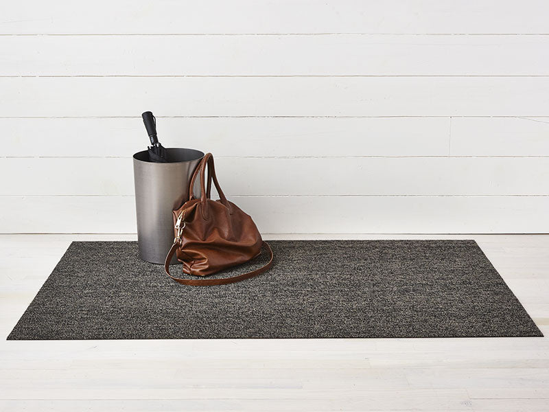 Chilewich Heathered Shag Mat in Black / Tan