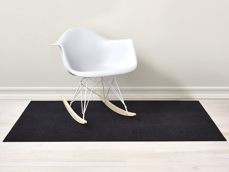Chilewich Solid Shag Mat in Black
