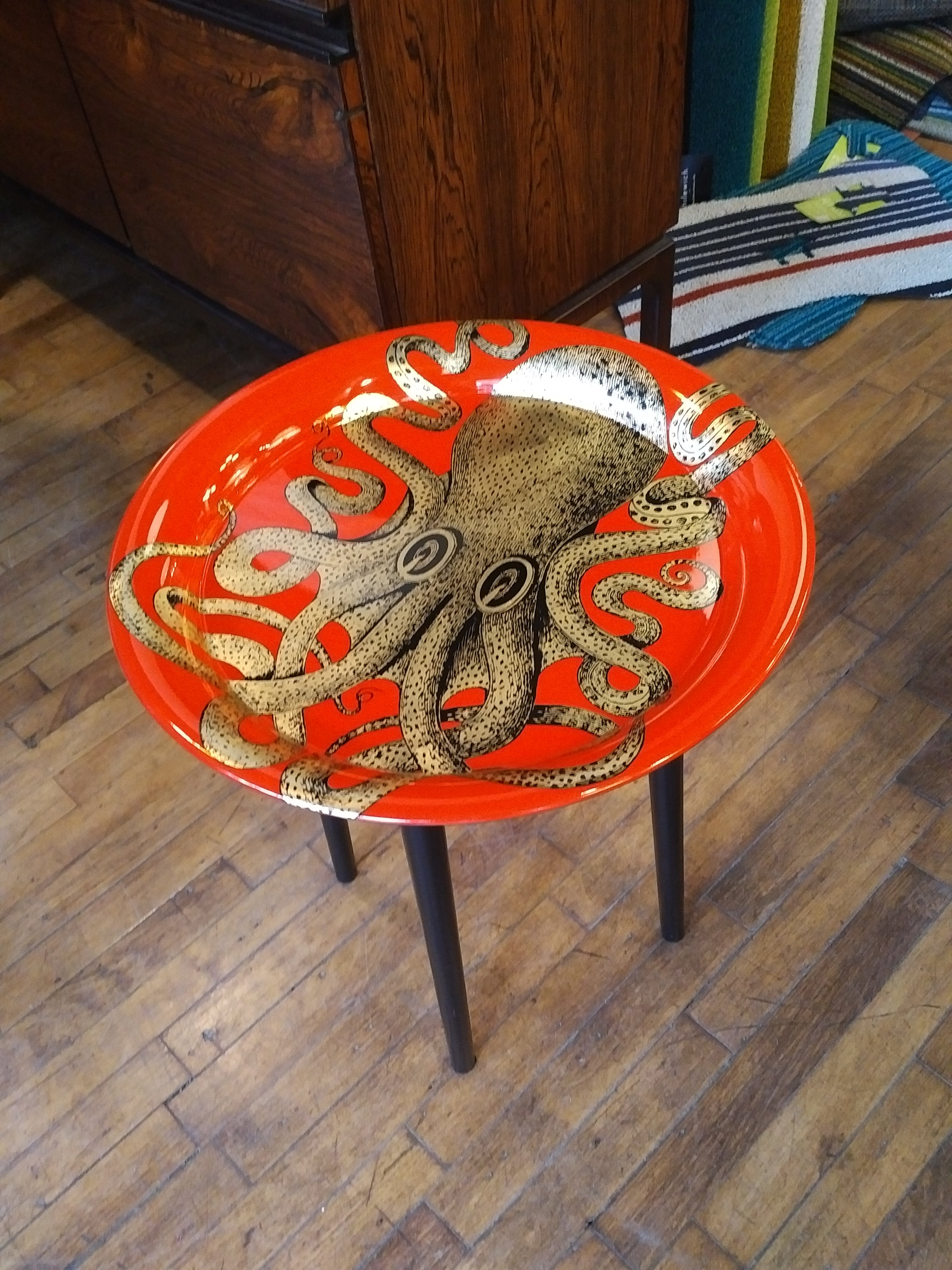 Fornasetti tray round 40cm - Polipo red octopus