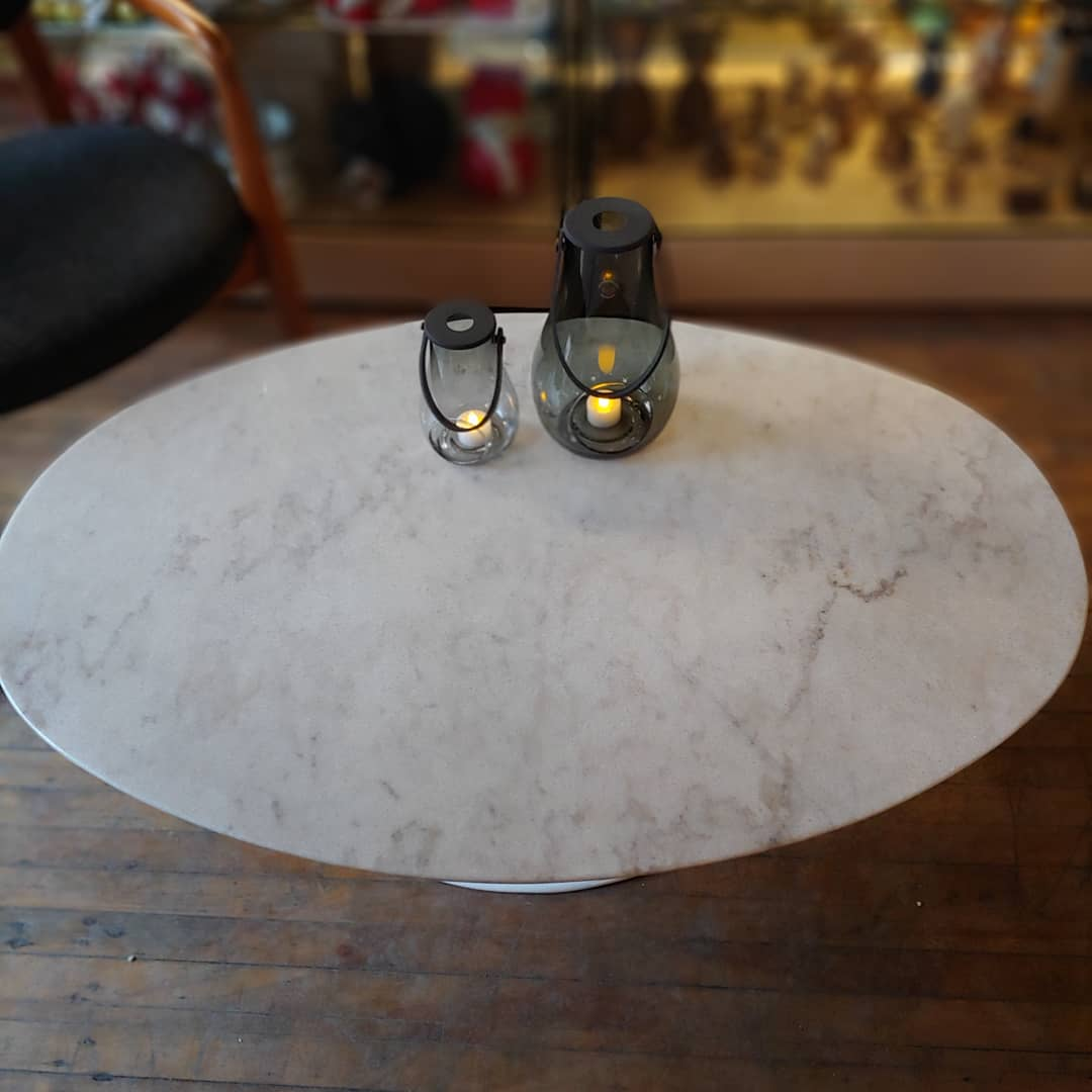 Marble oval tulip coffee table