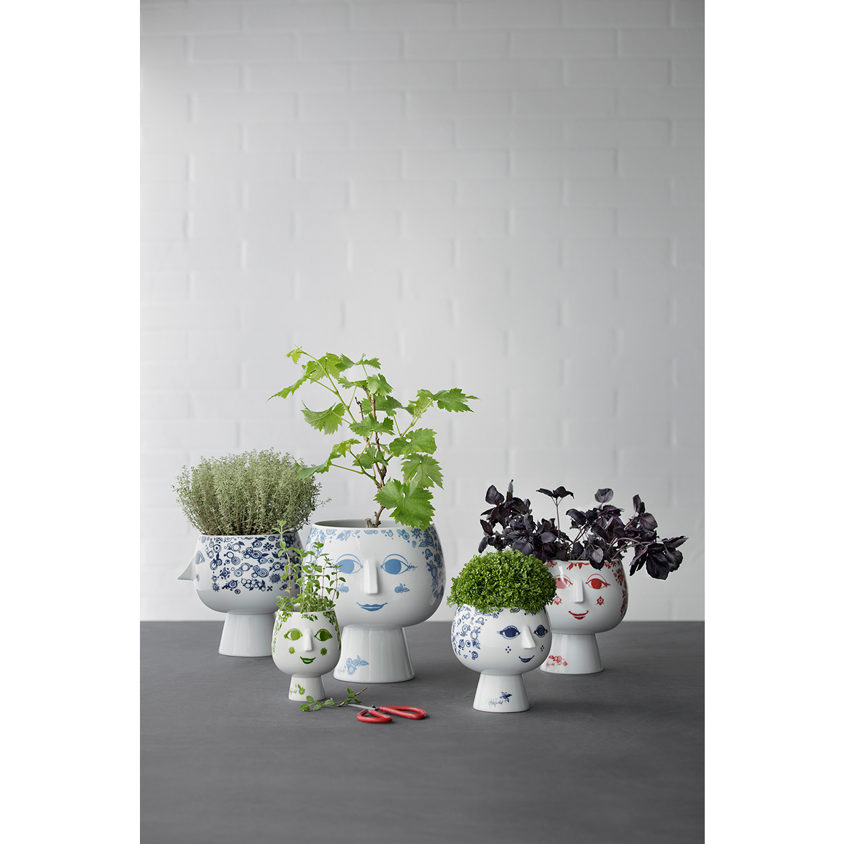 Bjørn Wiinblad  Pot plant holder with base Dusty blue, 22,7 cm