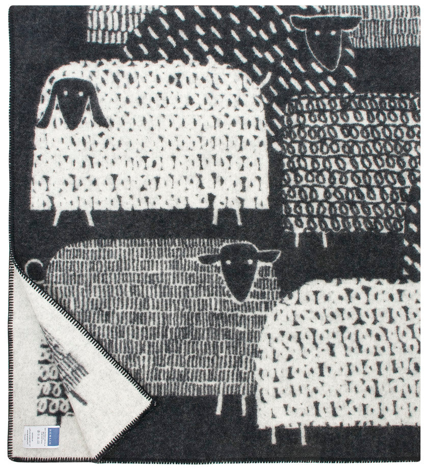 PÄKÄPÄÄT wool blanket (black-white, or grey-white, 130 x 180 cm Sheep