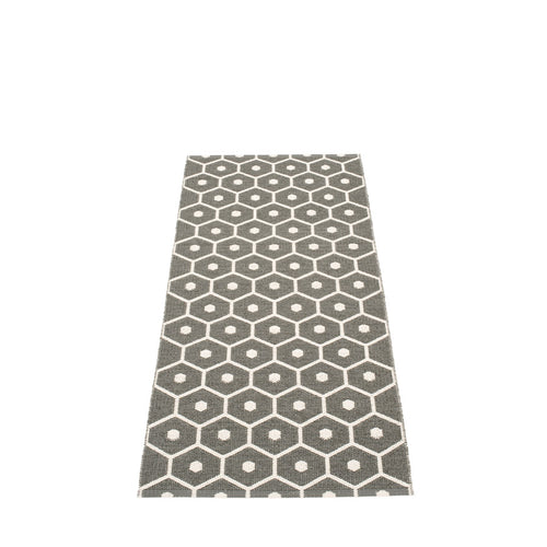 Pappelina rug 60 x 70cm Honey Charcoal