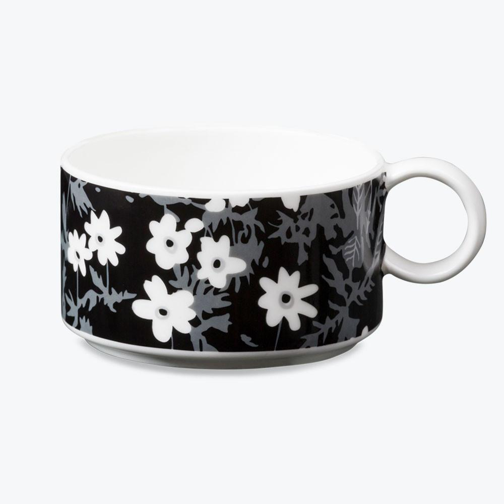 Design letters Flowers by Arne Jacobsen tea cup