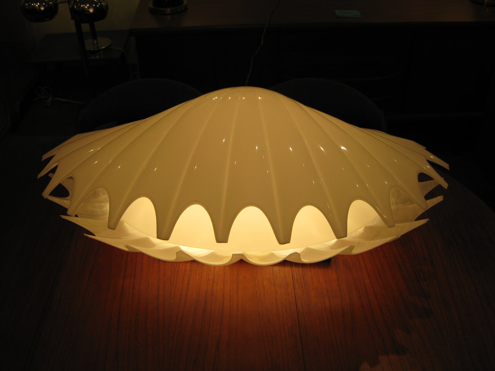 Vintage 1970 Rougier Clam lamp