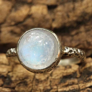 Cabachon Moonstone Ring