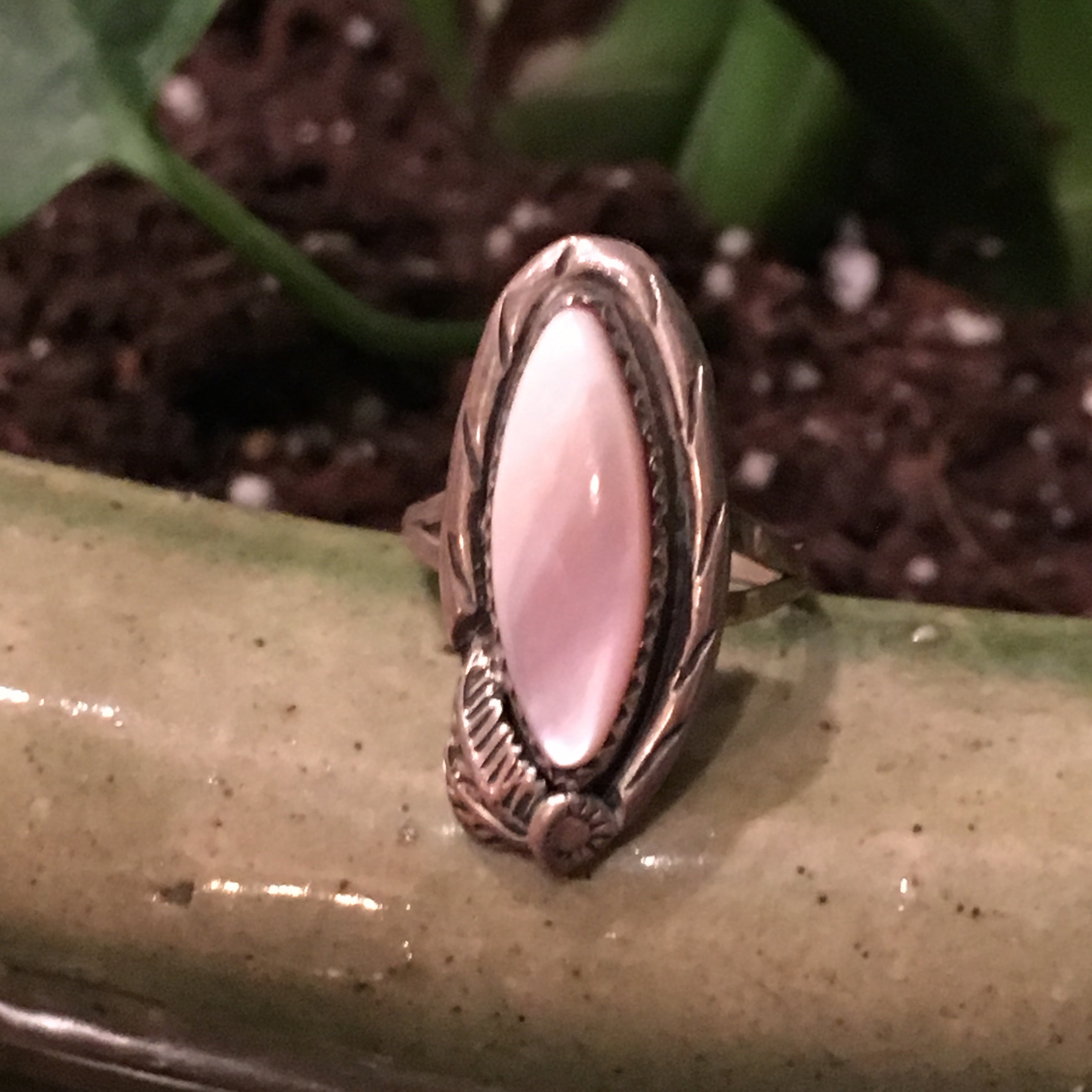 Vintage Sterling Mother of Pearl Ring Ring Size 6
