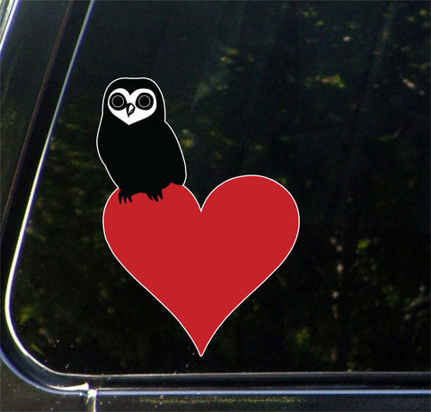 "CLR:CAR - Owl Perched on Heart - Vinyl Decal for Cars | Trucks | Outdoor Use - © 2016 YYDCo. (5""w x 3.5""h) (COLOR CHOICES)"