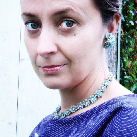 Blue daisy necklace and clip on earrings