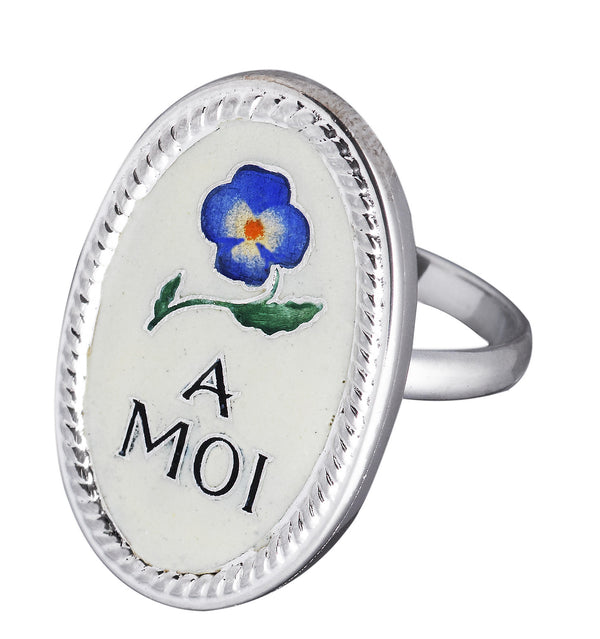 Enamel silver ring with a blue pansy and the words A Moi