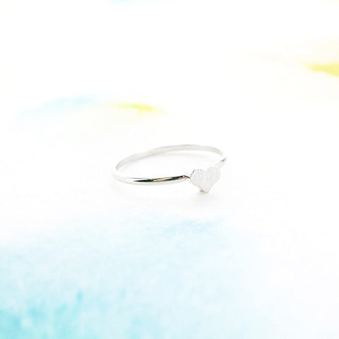 Minimalist Delicate Simple Brushed Silver Heart Thin Band Ring - RecocoNYC - 1