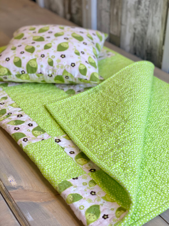 Pea Pillow & Quilt Set