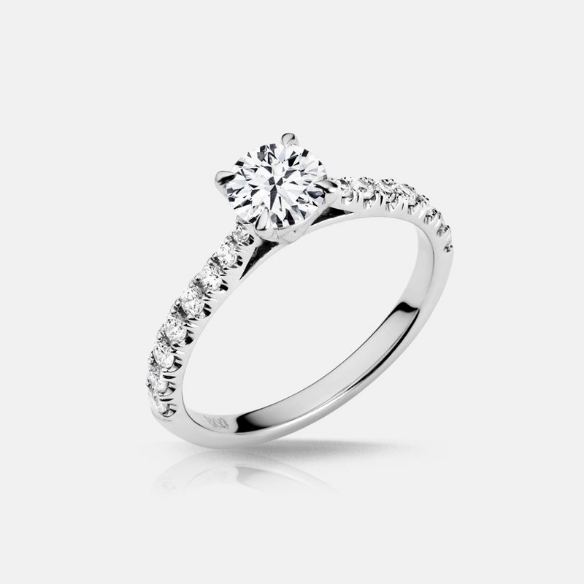 Solitaire with Side Stones Engagment Ring