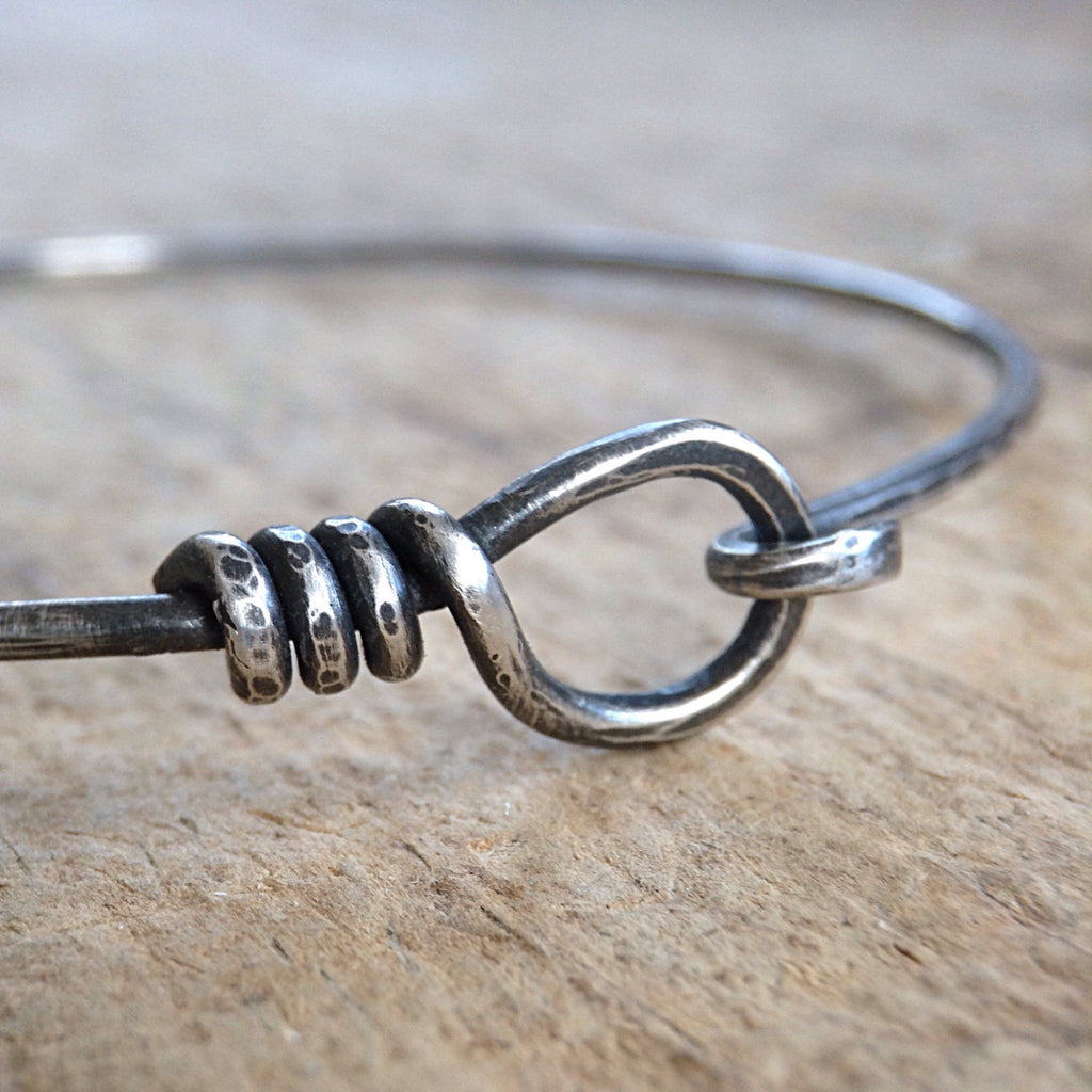 Sterling Silver Hook and Eye Bangle - TesoroDelSol