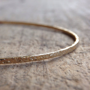Gold Raw Silk Bangle - TesoroDelSol