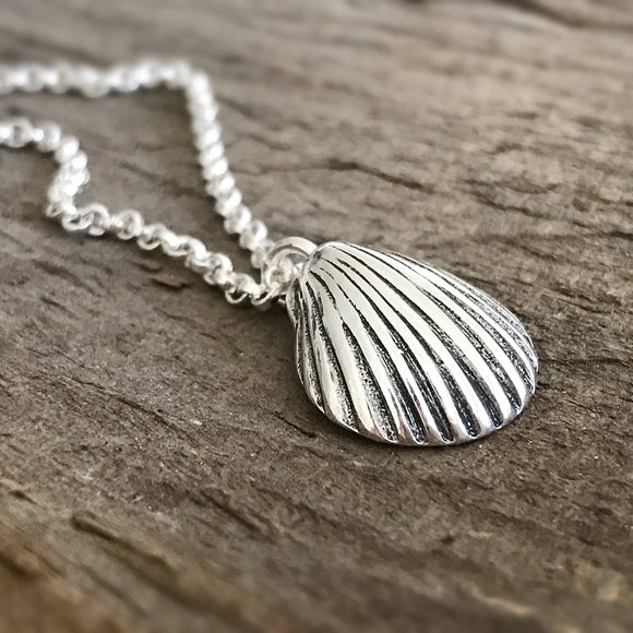 Sterling Silver Clam Shell Necklace - TesoroDelSol