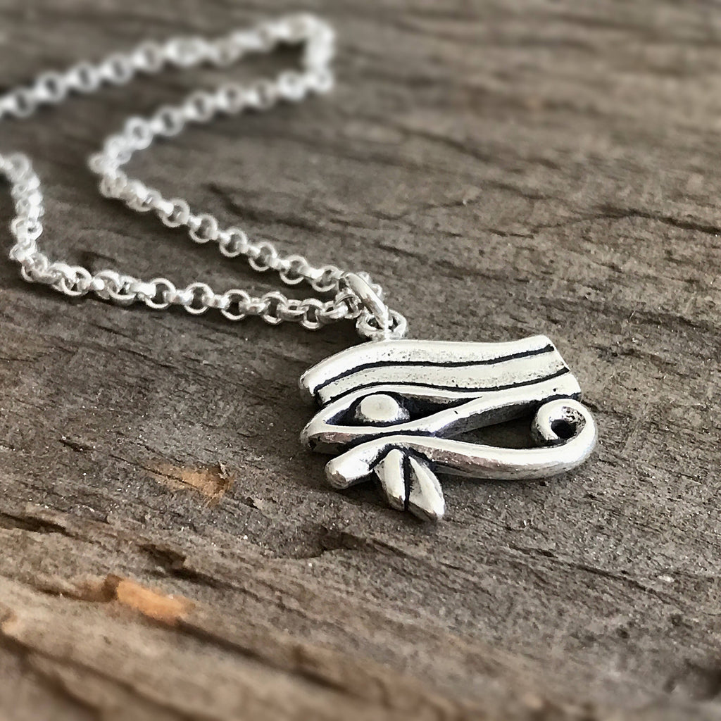 Egyptian Style Eye of Horus Necklace - TesoroDelSol