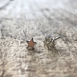 Sterling Silver Star Stud Earrings - TesoroDelSol