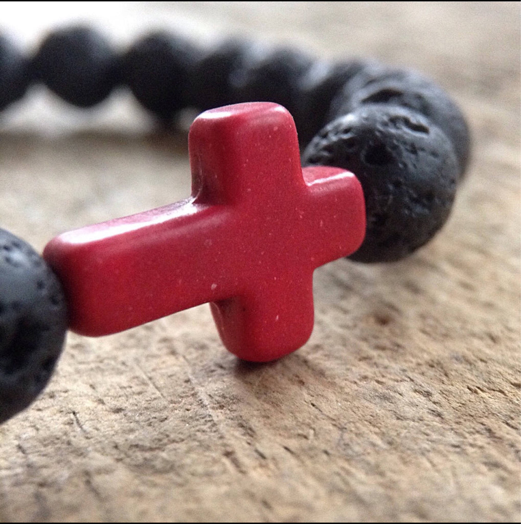 Men's Black Lava Cross Bracelet - TesoroDelSol