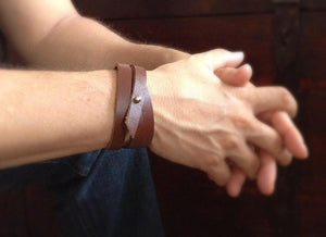 Men's Brown Triple Wrap Leather Bracelet - TesoroDelSol