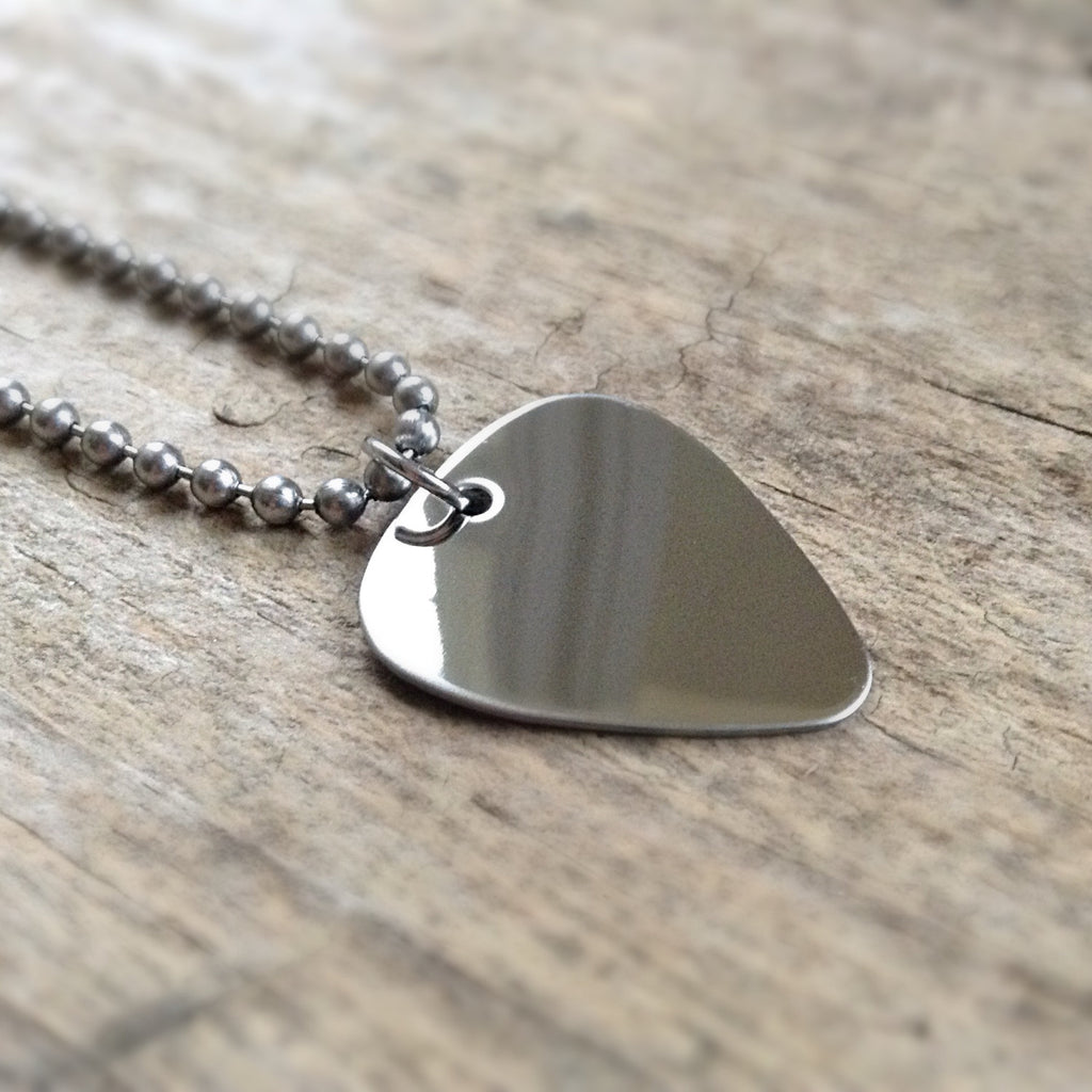 Men's Boho Guitar Pick Necklace - TesoroDelSol