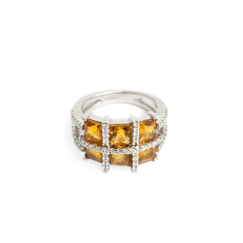 Fine 18ct White Gold Diamond & Square Cut Citrine Ring Size M (Code A351)