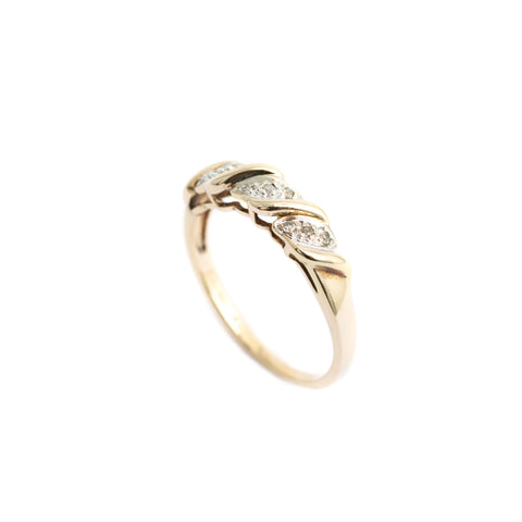 Ladies 9ct Gold Diamond Ring Twist Set With 9 Diamonds Size O  (Code A394)