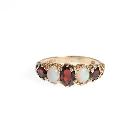 9ct Gold Opal & Garnet Ring With Decorative Shoulders & London Hallmark Size N 1/2 (Code A465)
