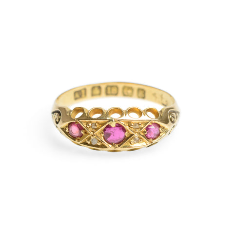 Antique Edwardian 18ct Gold Ruby & Diamond Set Ring With Shoulder Detail Size O (Code A576)