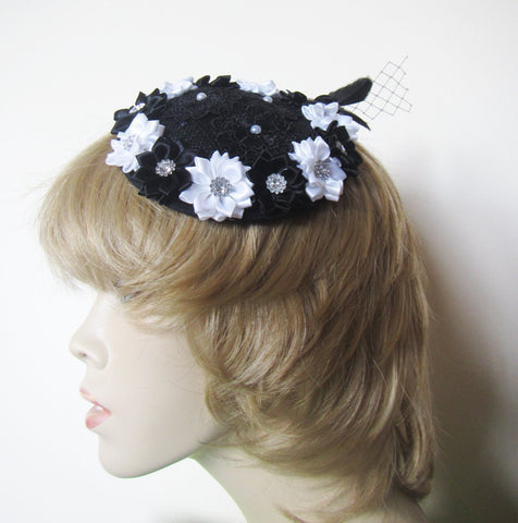 Sale Black Fascinator Hat, Mini Hat, Hatinator, Ribbon Hat, Cocktail Hat, Black Fascinator Hat with Flowers. Cocktail Hat Black and White.