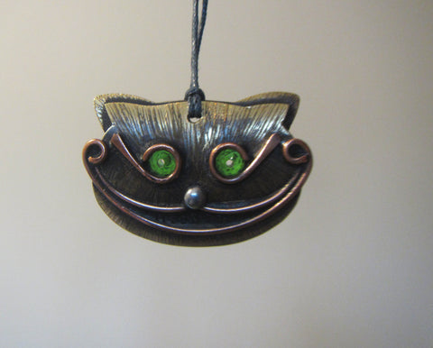 Alice's cat Pendant, The Cheshire Cat Pendant - Cat Pendant stained glass. Handcrafted, made with Tiffany techniques. Wonderland cat brooch