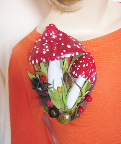 Amanita mushroom brooch made from genuine leather, mushroom Brooch, mushroom 2-in-1 brooch-hairclip.